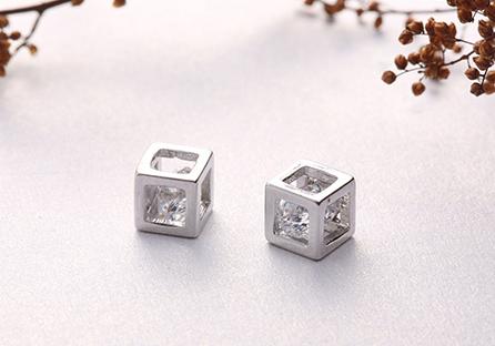 愛情魔幻幾何方形鋯鑽 耳針/黏式耳環