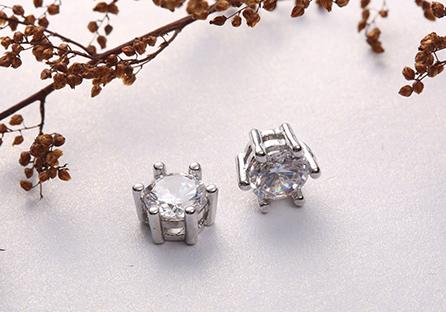 時尚簡約六爪鋯鑽黏式耳環 (7mm)