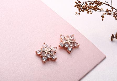 高雅氣質冷豔冰晶雪花鋯鑽 耳針/黏式耳環