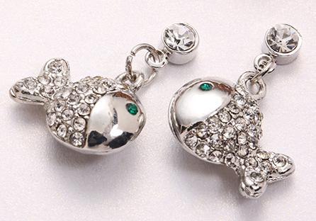 富貴開運鑲鑽小魚黏式耳環
