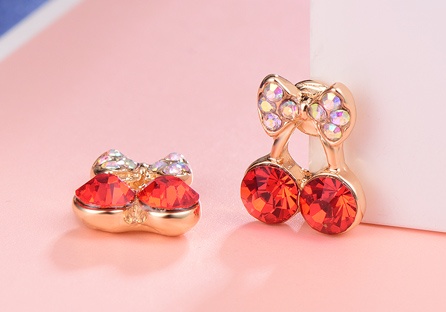 甜美可愛蝴蝶結櫻桃黏式耳環