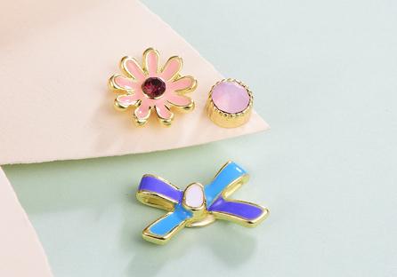 迷你可愛小雛菊不對稱黏式耳環
