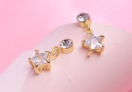 閃耀鑲鑽星星黏式耳環