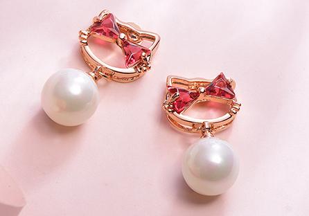 日系小貓珍珠鑲鑽 耳針/黏式耳環