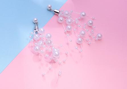 優雅名媛風珍珠串 耳針/黏式耳環