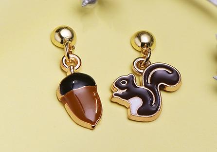 松鼠與栗子 耳針/黏式耳環
