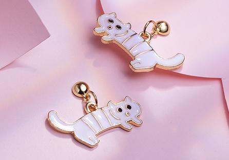 搞怪萌趣白色條紋小貓 耳針/黏式耳環