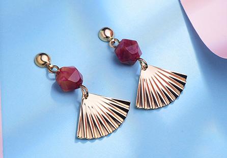 復古紅瑪瑙扇形 耳針/黏式耳環