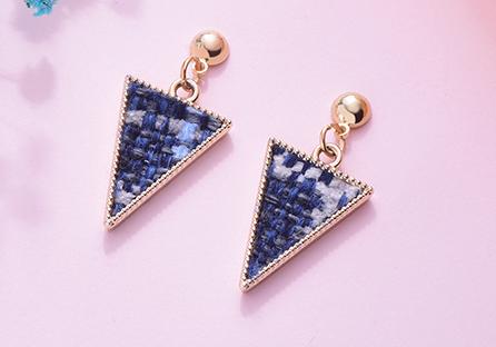 時尚棉麻編織三角形黏式耳環