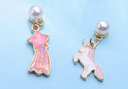 夢幻甜美獨角獸與流星 耳針/黏式耳環