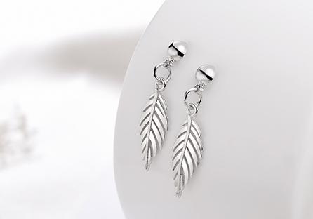 韓版氣質簡約樹葉 耳針/ 黏式耳環