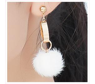 糖果色圓環毛球 耳針/黏式耳環
