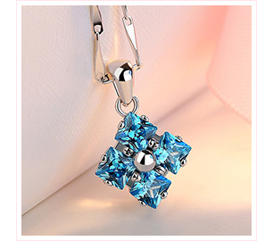 湛藍優雅菱形鑲鑽合金項鍊