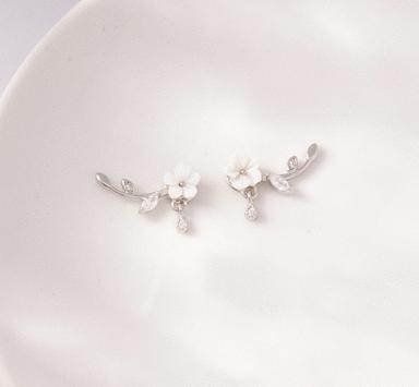 雕刻梅花黏貼式耳環