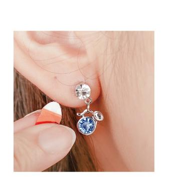 輕鬆完成黏貼式耳環配戴