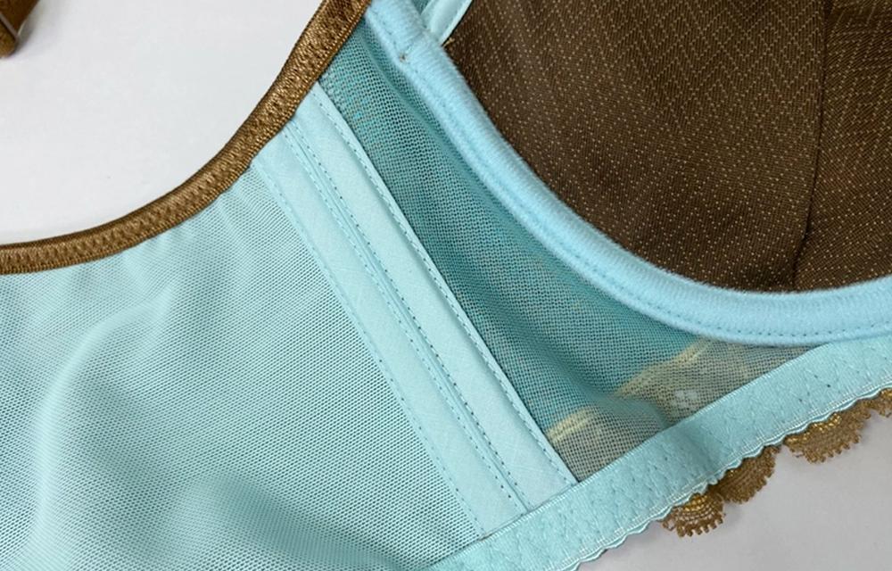 彈力雙層側片設計防副乳側翼讓胸型更加集中包覆,還可以修飾浮肉