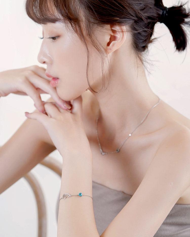 浪漫戀曲十二星座托帕石手鍊[純銀] 模特兒展示