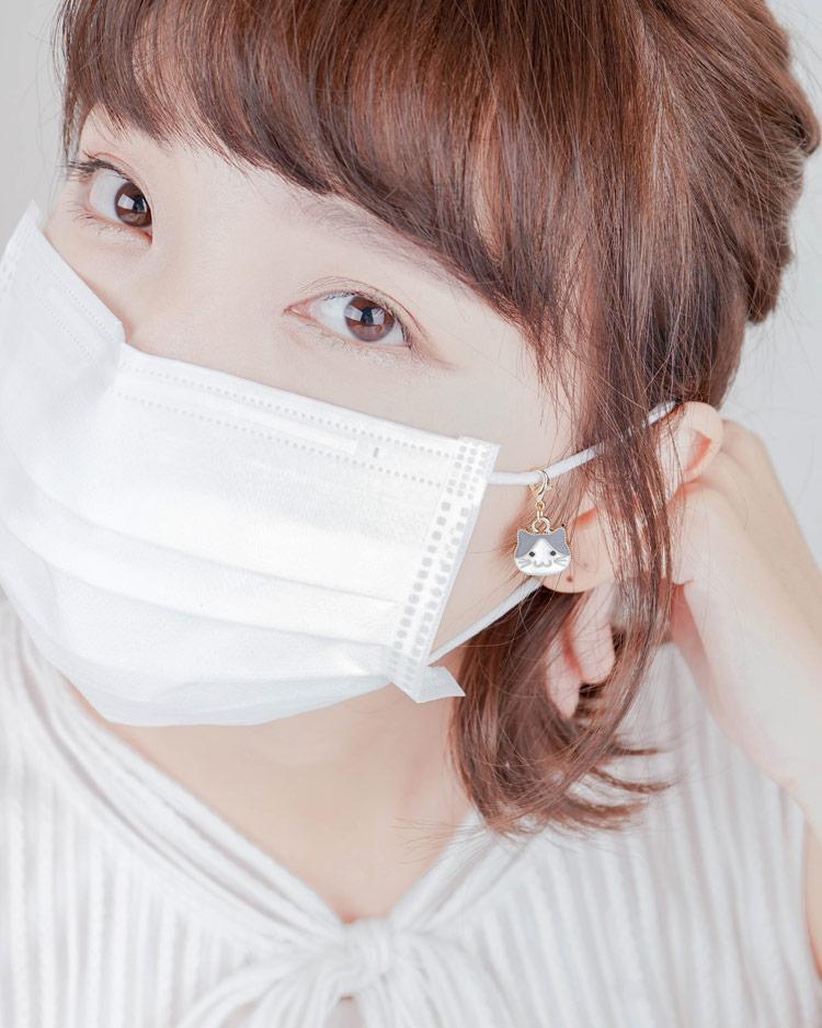 簡約氣質幾何長方形口罩吊飾 模特兒展示