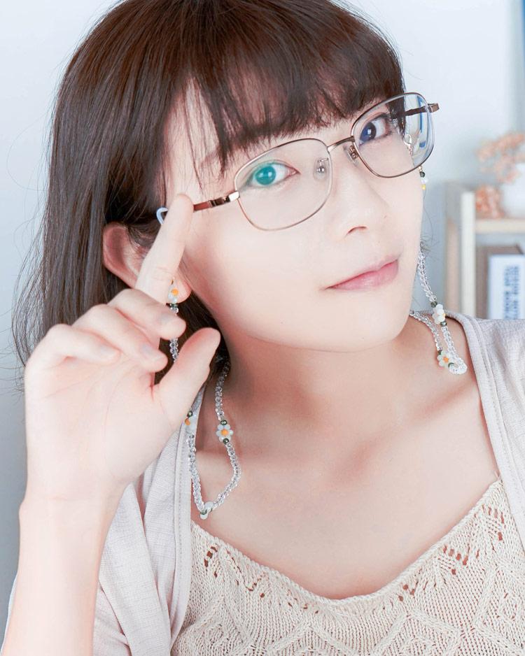 浪漫甜心雛菊口罩鍊/眼鏡鍊 模特兒展示