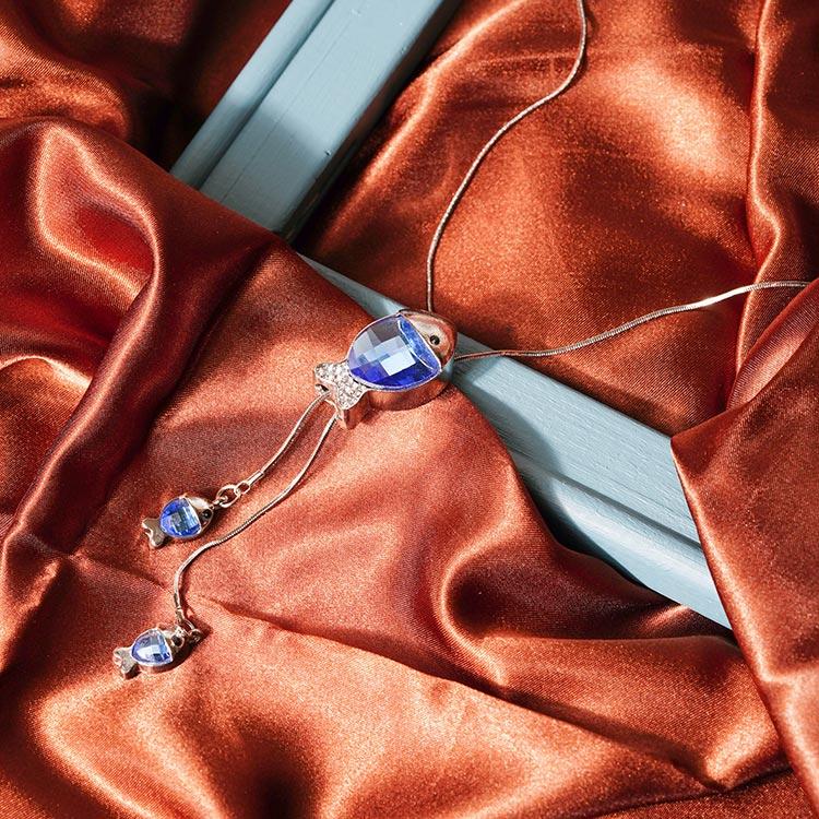 魚躍透藍閃鑽毛衣項鍊