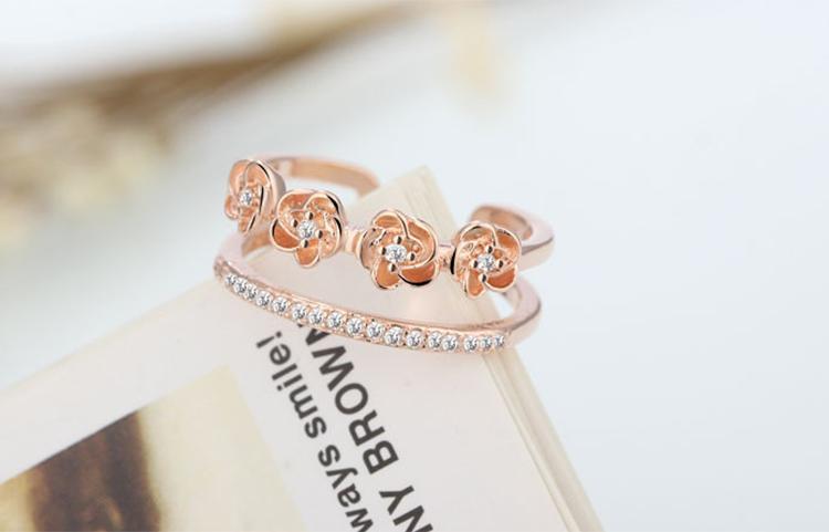場景展示: 雙層玫瑰花鑲鑽開口戒指