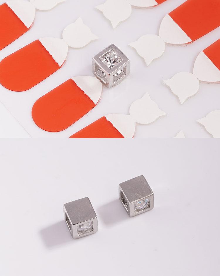 魔幻幾何方形 耳針/無耳洞黏貼式耳環 細節展示