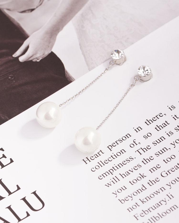 簡約高雅珍珠鋯鑽 耳針/無耳洞黏貼式耳環 場景展示