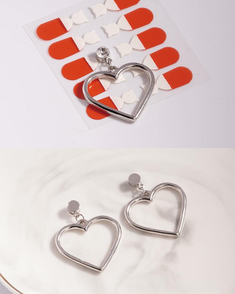 清新簡約簍空桃心 耳針/無耳洞黏貼式耳環 細節展示