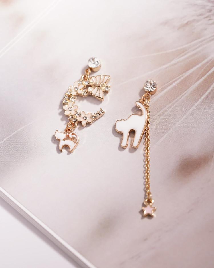 粉色櫻花貓咪星星不對稱 耳針/無耳洞黏貼式耳環 場景展示