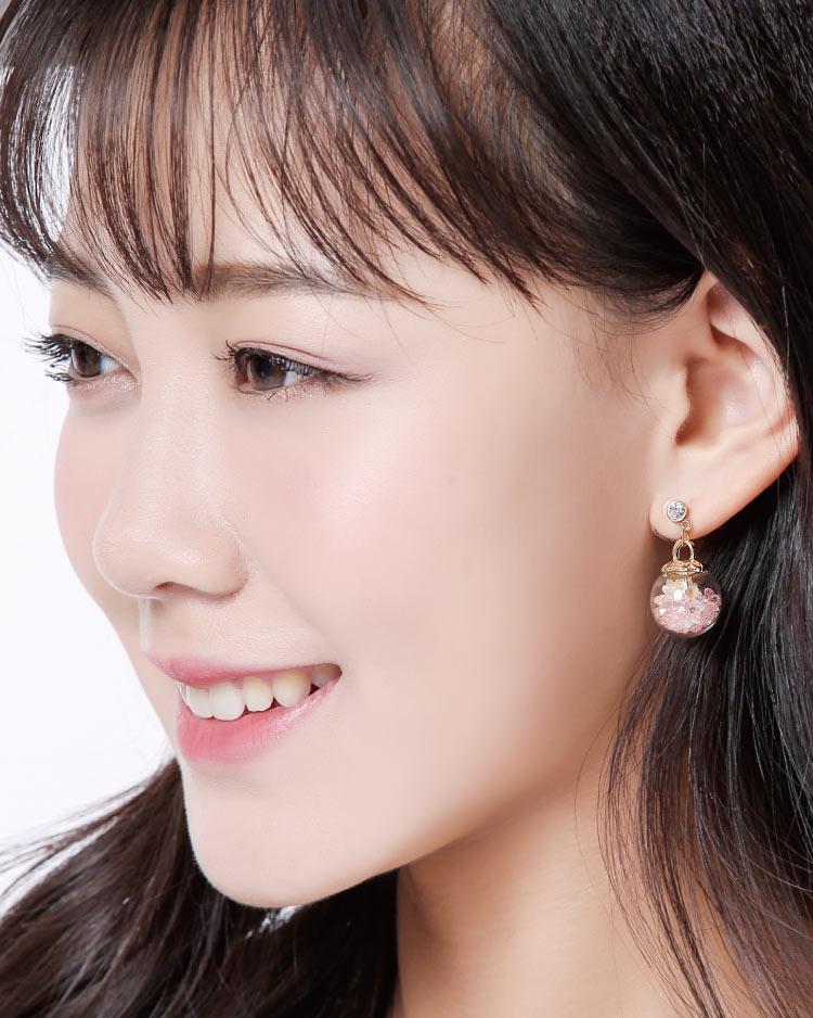 彩色水晶透明玻璃球乾花 耳針/無耳洞黏貼式耳環 模特兒展示