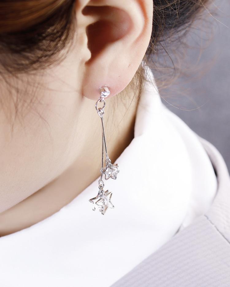 復古浪漫雙星亮鑽 耳針/無耳洞黏貼式耳環 模特兒展示