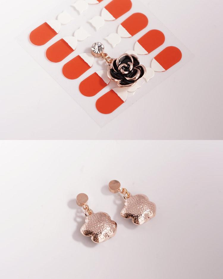 典雅鍍金黑玫瑰 耳針/無耳洞黏貼式耳環 細節展示