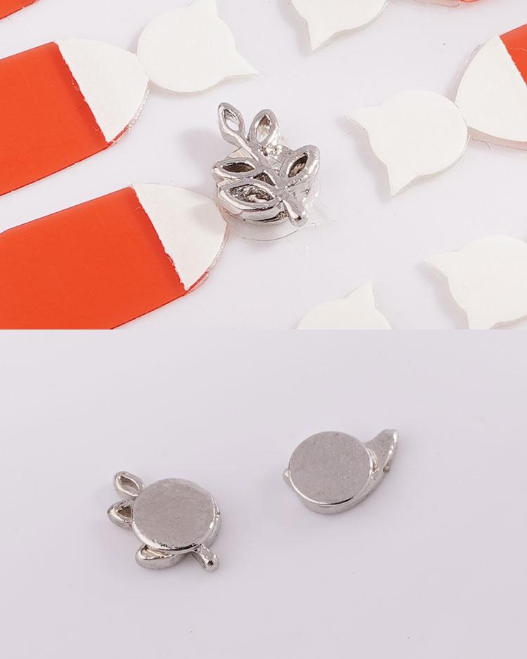 小雞與嫩葉不對稱 耳針/無耳洞黏貼式耳環 細節展示