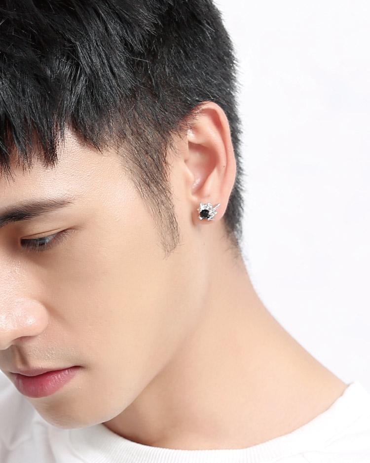 帥氣黑鑽星 耳針/無耳洞黏貼式耳環 模特兒展示