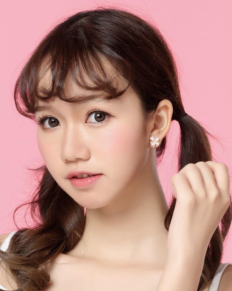 幸運四葉草貓眼石 耳針/無耳洞黏貼式耳環 模特兒展示