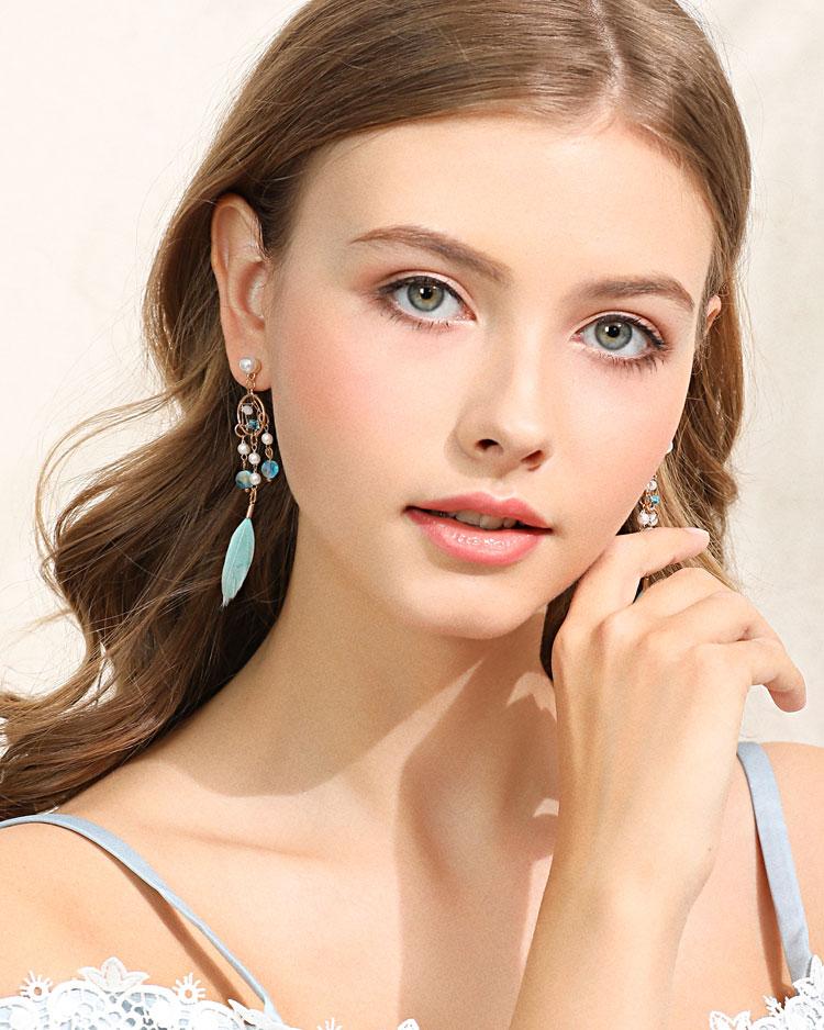 珍珠風鈴羽毛流蘇 耳針/無耳洞黏貼式耳環 模特兒展示
