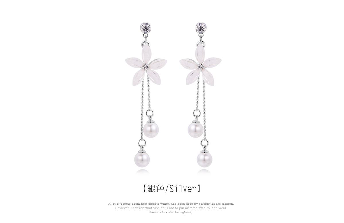 優雅氣質花瓣珍珠流蘇 耳針/黏式耳環,銀色