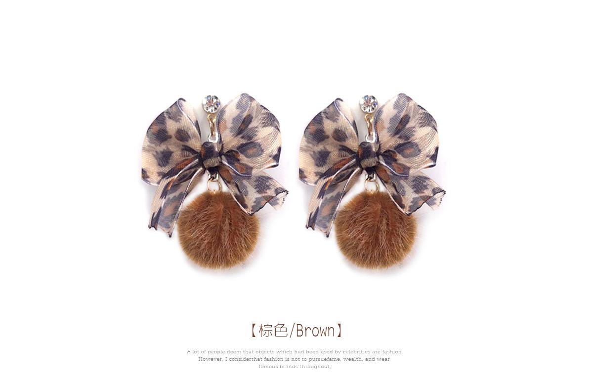 清新蝴蝶結緞帶毛球黏式耳環,棕色