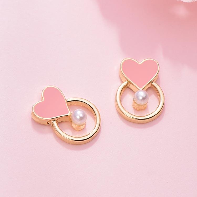 場景展示: 韓系簍空愛心珍珠 無耳洞黏貼式耳環
