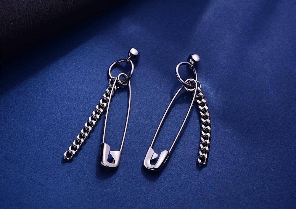 韓版創意個性別針 耳針/黏式耳環,桌上展示。