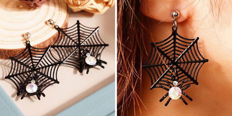 模特兒配戴展示: 【16款】萬聖節限定-搞怪蜘蛛幽靈骷髏 針式/無耳洞黏貼式耳環