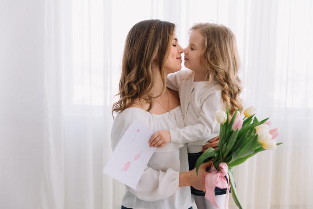 美麗的媽媽 可愛的女兒
