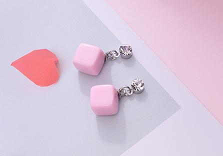 小可愛方塊黏式耳環